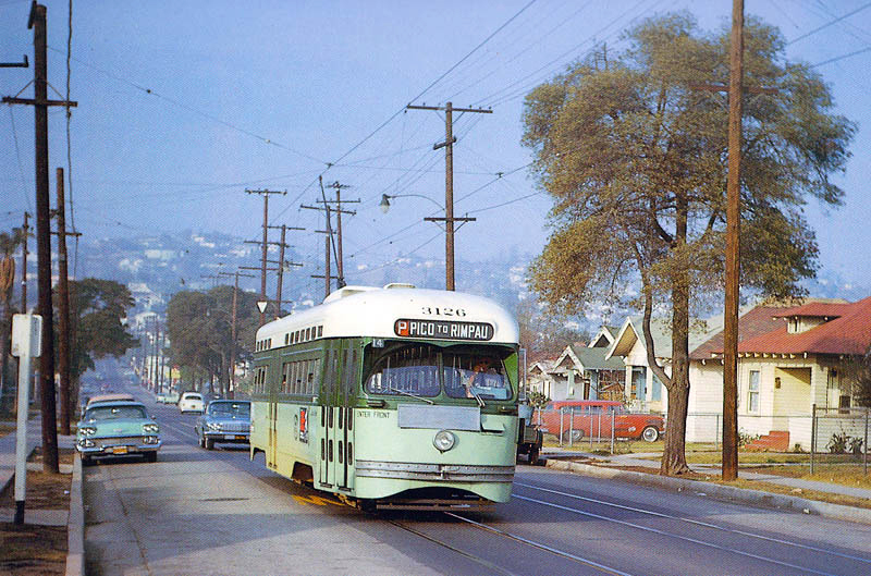 RVM-LAMTA-3126_south_on_Rowan_St_at_Michigan_Av