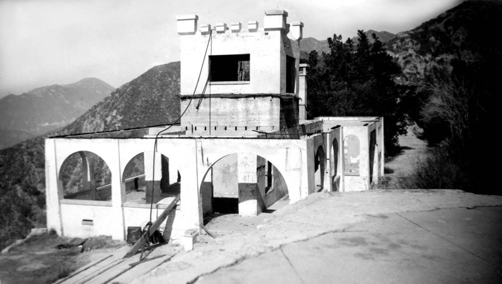 Remnants of the Echo Mountain Power House, photographed December 26, 1947 by Alan Weeks.