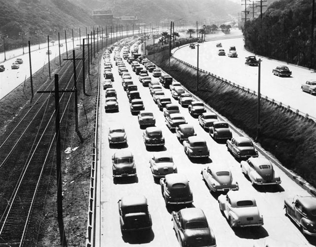 Morning rush hour in the Cahuenga Pass, 1948. Ralph Cantos Collection