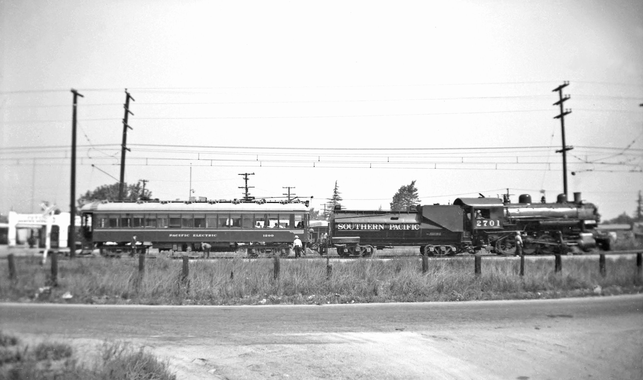 1299 on the SP's Covina Branch - Pacific Electric Railway