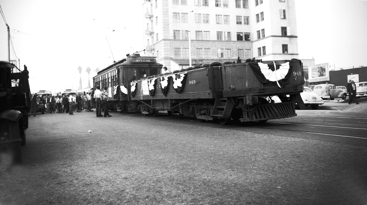 Pacific Electric 969 the day after abandonment, Lake Street at Colorado, October 9, 1950