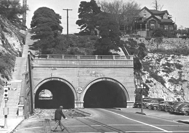 pe-hill-st-tunnel-after-abandonment-1952