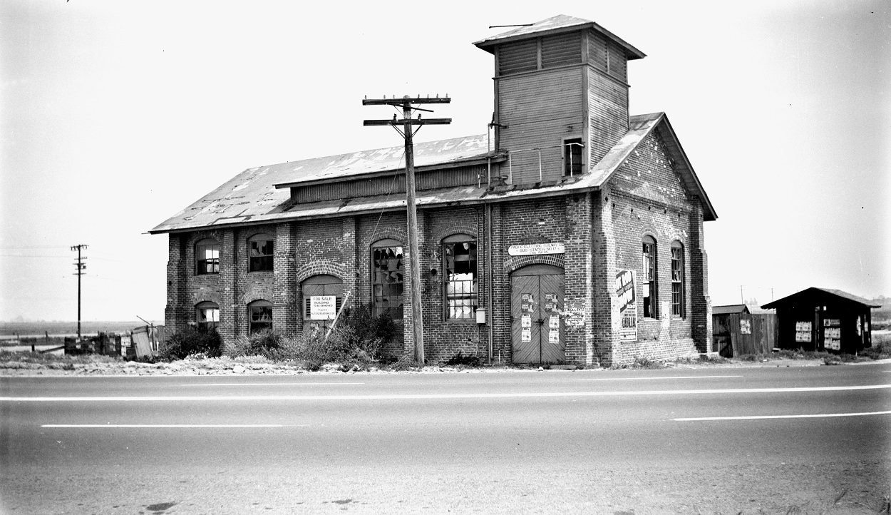 Alan K. Weeks photo. All Rights Reserved. Domino6145@aol.com Photographer: Alan K Weeks Location: Los Patos, California Date: June 2 1952 Railroad: Pacific Electric Car#: PE Los Patos Sub Station # 17 Line: Newport Balboa Line Filed in Envelope 26 Image Notes: Scanned Steve Crise Photo 2014