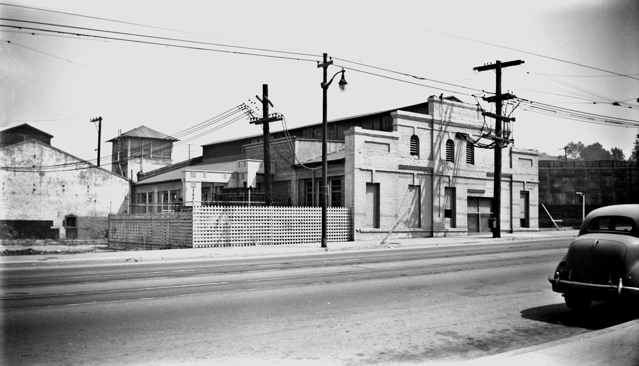 Alan K. Weeks photo. All Rights Reserved. Domino6145@aol.com Photographer: Alan K Weeks Location: Pasadena, California Date: September 8 1951 Railroad: Pacific Electric Car#: P.E. Pasadena Sub Station # 2 Line: Pasadena Short Line Filed in Envelope 26 Image Notes: Scanned Steve Crise Photo 2014